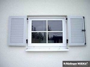 Fenster-Klappladen Montagerahmen 9016SG-AJW-7035-LichtgrauSG